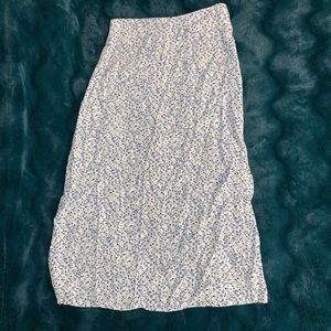 Brandy Melville floral midi skirt • one size (S?)